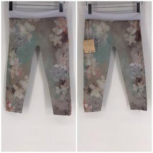 NWT M. Rena Pants High Floral Waist Crop Print OS